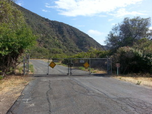 Aliso Woods end gate